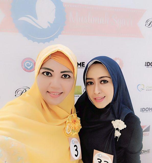 bersama salah seorang finalis Wajah Bunda Islami 2016